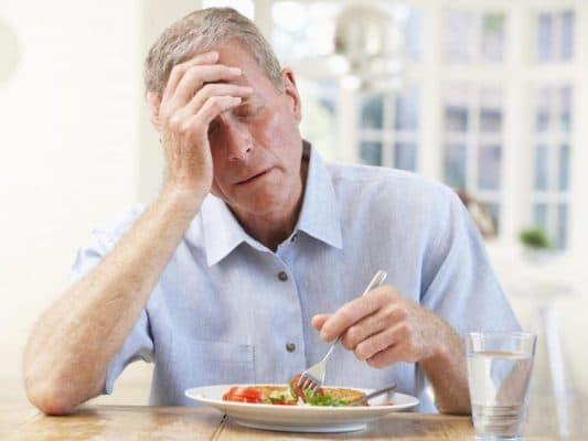 Cách chữa bệnh chán ăn ở người lớn tuổi