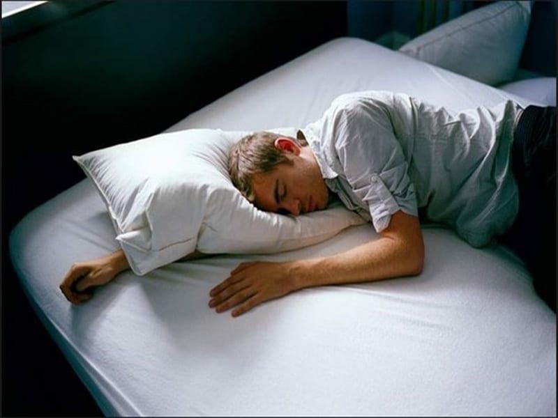 Ngủ nhiều là triệu chứng của bệnh gì