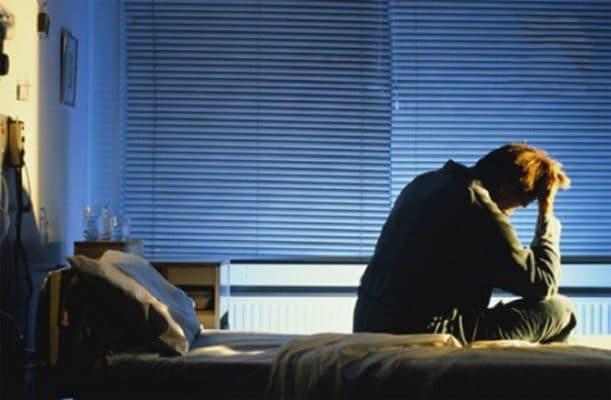 Triêu chứng mất ngủ lúc nữa đêm