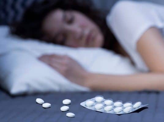 Uống thuốc ngủ có tốt không?